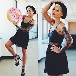 Samii Ryan - Nasty Gal Dress, H&M Hat, Patricia Field Earrings, Privleged Shoes - Be MINE! <3