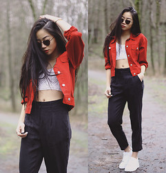 Cindy Le - Second Hand Jeans Jacket, Second Hand Suit Trousers, Bik Bok Cropped Top, Nike Sneakers - Heart shaped sunnies for valentines