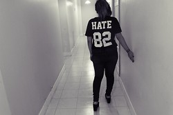 Cynthia † - Synthetik Hate Tshirt, Ay Not Dead Jeans - HATE