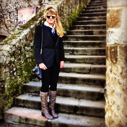Sofi T. S - Office Boots, Topshop Chained Bag, Crimplene Blazer, N/A Scarf, N/A Sunnies - Mont St Michel