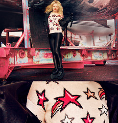 Elin Hansson - London Star Top, Platform Shoes, Shiny Tights, Fake Leather Jacket - ♡ STARS ♡