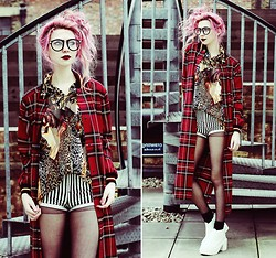Kayla Hadlington - River Island Tartan Coat, Charity Shop Shirt, Topshop Shorts, Wholesale7 Shoes - TARTAN MEOW