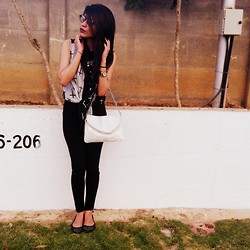 Ritika Khanna - Aldo Bag, Zara Pants, Zara Glasses - The Nerd
