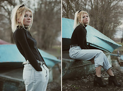 Vicky Kurkach - Oasis Earrings, Asos Top, Levi's® Boyfriend Jeans, Asos Chelsea Ankle Boots - This moment