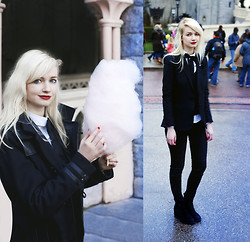 Angeline - The Kooples Coat, The Kooples Jacket, Ralph Lauren Pants, Vagabond Boots - Disneyland Paris