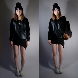Sydney Jayne . - Coutie - Leather Knit