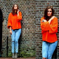 Carmen Leenen - Zara Orange Sweater, Steve Madden Leopard Heels - When life gives you lemons, make orange juice'