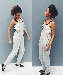 Aicha R. - Topshop Embellished Bralet, Topshop Jersey Dungaree, Wittner Star Kissed Flat, Le Specs Runaways - Grey & Comfy