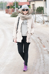 Agnes F - Bershka Parka, Mango Blouse, New Balance Sneakers - Winter