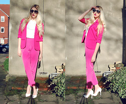 Laura Rogan - Choies Sunglasses, Missguided Blazer, River Island Tee, Topshop Trousers, Missguided Shoes - Pink on pink on pink