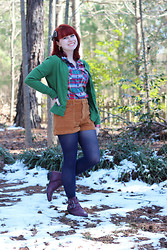 Jamie Rose - Ann Taylor Green Cardigan, Xhileration Flannel Shirt, Forever 21 Corduroy High Waisted Shorts, Target Navy Blue Tights, Boohoo Burgundy Ankle Boots - Flannel & Corduroy