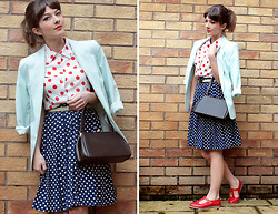 Tasha Hinde -  - Dotty about the shirt.. (and the skirt)