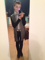 Sandro - Asos Clockfacebowtie, Shirtwithcontrastcollar, River Island Cardigan, Briefcase, Air Step Boots - TicTacBowTac