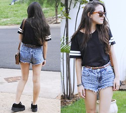 Gabriela Araujo - H&M Sunnies, Forever 21 Shirt, Forever 21 Belt, Renner Shorts, Vintage Bag, T.U.K Creepers - I'll lead them over to your eyes