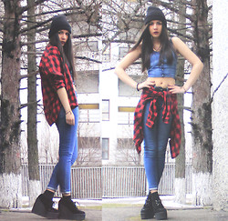 Stephy C. - H&M Crop Top, Zara Plaid Shirt, Bershka High Waist Denim, Underground Creepers - Infra-Red