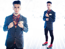 Alexandru - Floral Shirt, Converse Sneakers, Zara Skinny Jeans, Capricciosa Classy Suit - Give Classy a chance