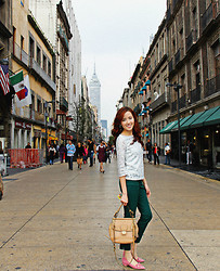 Xy - Banana Republic Shirt, Banana Republic Pants, Franco Sarto Flats - Alma de Mexico
