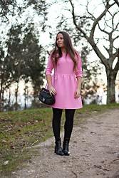Mondaytofriday Blog - Frontrowshop Dress, Purificación García Bag, Zara Boots - Pink dress