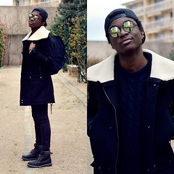 Marc-Henri Ngandu - Space Monkey Snapback, New Look Cercles Sunglasses, New Look Blue Backpack, Zara Coat, Timberland Like, New Look Pullover - Streetwear