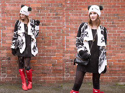 Alison Hutchinson - Urban Outfitters Beanie, Chicnova Sweater, In Love With Fashion Dress, Hunter Boots - Oh, Snow...