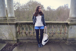 Bianca . - Bershka Sweater, Mims Jacket, Urban Outfitters Shorts, Primark Bag, Vintage Oxford Shoes - Lost in paradise