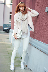 SecretFashion Love - Zara Jeans, Converse, H&M Bag, H&M Cargian, Peter Hahn Cashmere Scarf - All White