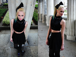 Lisa Lovegood - H&M Bow, Forever 21 Top, Philips Headphones, Geox Wedges, Bershka Skirt - The Dope Show