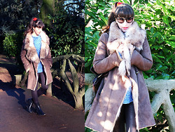 Barbara Malewicz - Zara Faux Fur Coat, Handmade Knit Jumper, A.P.C. Chelsea Boots - The girl in the freezing woods