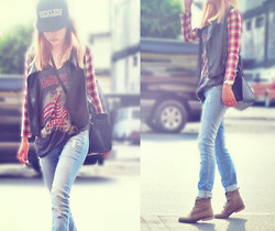CHILL Torralba - Topshop Top, Forever 21 Jeans, Tomato Leather Tartan Sleeves - We live in cities you'll never see on screen.