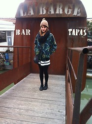 Loren♠ ♡ - American Apparel Bomber Jacket, Supreme Beanie - Stroll outfit