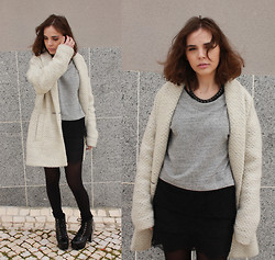 Ines Tavares - Zara Grey Sweater W/ Lace Details, Zara Black Skirt W/ Lace Details, Promod White Wool Coat, Jeffrey Campbell Spike Litas - Little LAN