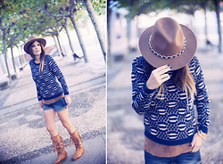 Barbara Crespo - Zara Hat, Eleven Paris Navy Sweater, Mango Top, Mango Shorts, Karma Of Charme Boots, Viceroy Bracelets - Navy knitwear