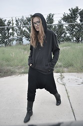Lizzie Lo - Chanel Glasses, Hussein Chalayan Sweatshirt, Bershka Pants, Maison Martin Margiela Boots - When it rains