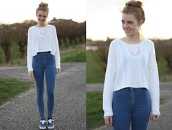 The Fashion Moodboard - Primark White Cropped Sweater, Topshop High Waisted Skinny Jeans, Vans Era - Blonde hair don't care!