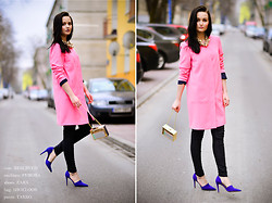 Patrycja T - Reserved Coat, Takko Pants, Shoelook Bag - PINK AND GOLD