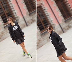 Barbara Crespo - C&A Sweater, Nike Sneakers, Carrera Sunglasses, C&A Bomber Jacket, Zara Mini Skirt - $imple