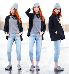 Ebba Zingmark - Develop Beanie, Frontrowshop Scarf, 2hand Top, Forever 21 Jacket, Monki Jeans, New Balance Sneakers - I WANT TO ASK YOU THIS