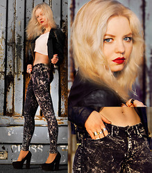 Elin Hansson - H&M Stone Washed Denim, Make Up Store Red Lippencil, Old Top, Mango Fake Leather Jacket, Heels - ♡ Anywhere For You - John Martin ♡