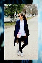 Alina Krasnaya - Promod Shirt, Zara Coat, Pull & Bear Jeans, Nike Sneakers - NAVY COLORS
