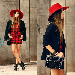 Flávia Desgranges van der Linden - Love Luxo Dress, Dafiti Bag, Asos Hat - If you knew
