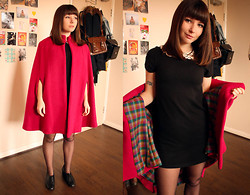 Amelia Sinnott - Vintage 60s Wool Cape, H&M Collar Dress, Vintage 60s Lace Up Shoes - The Book Lovers