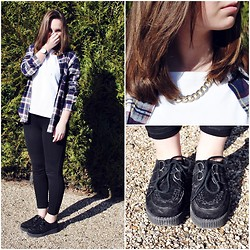 Lou-Ann A - Claire's Gold Chain, New Look Creepers, Zara Jeeging, Forever 21 Tartan, Activ Wear White Shirt - Hello sunshine ☼