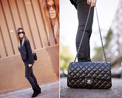 Barbara Crespo - C&A Sweater, Zara Jeans, Chanel 2.55 Bag, C&A Ankle Boots, Dolce & Gabbana Sunglasses - All black