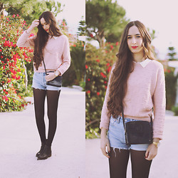 María Rubio - Lefties Sweater, Levi's® Shorts, Vintage Bag, Pull & Bear Boots - Soft pink