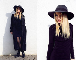 Isabella Thordsen - Asos, H&M, Cos - Little black dress and big hat