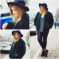 Lily Melrose - Guess? Green Fur Coat, Ebay Cut Out Boots - Exhale.