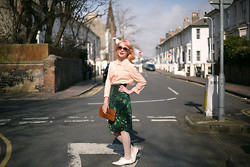 Kerry Lockwood - French Connection Uk Pastel Boxy Blouse, Ebay Green Jungle Print Skirt, Paris Flea Market Vintage Tan Leather Clutch, Topshop White Brogues - Spring Time Pastels....