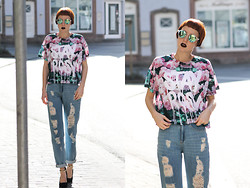 Wendy L - Bershka High Waist Jeans, Asos Crop Top, Asos Pumps - Stay Rosy.