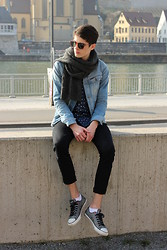 Sam Mü - Converse Sneaker, Acne Studios Denim, H&M Denim Shirt, G Star Raw Denim Jacket, Weekday Scarf - I found love.