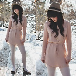 Jocelyn Jacobson - Naked Zebra Pink Chiffon, Jeanne Simmons Pilgrim Hat, Aldo Brown Flats, Shesso Quartz Necklace - Here comes the sun